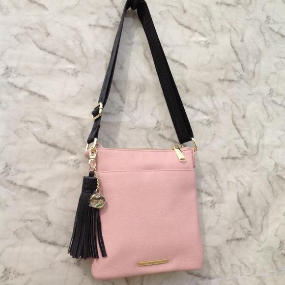 7dd40b54297c NWOT Steve Madden blush crossbody tassel purse. M 5aa59c619a945576aff33c1f